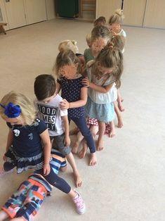 Nursery Activities, Pre K Activities, Toddler Learning Activities, Preschool Games, Classroom Activities, Physical Activities, Yoga For Kids, Exercise For Kids, Summer School
