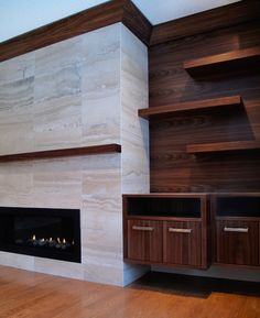 Photos of residential interior design projects featuring rooms other than kitchens and bathrooms, such as bedrooms, living rooms, and exteriors. Fireplace Tv Wall, Family Room Fireplace, Fireplace Built Ins, Fireplace Remodel, Modern Fireplace, Fireplace Surrounds, Game Room Design, Family Room Design, Contemporary Fireplace Designs