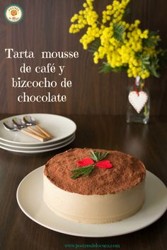 Tarta mousse de café y bizcocho de chocolate. Chocolate cake and coffee mousse tart. Chocolate San Valentin, Coffee Mousse, Mousse Cake, Fun Drinks, Yummy Cakes, Parfait, Chocolate Cake, Tiramisu, Panna Cotta