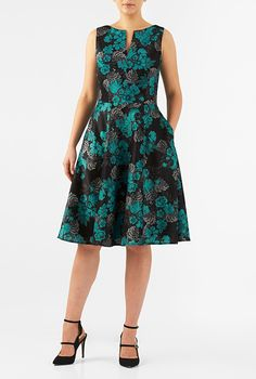 A split neck tops our floral print polydupioni dress designed with a fitted tank bodice and seamed waist atop a full flare skirt. Fashion Show Dresses, Frock Fashion, Dressy Dresses, Cotton Dresses, Chiffon Dress, Lace Dress, Mature Women Fashion, Island Outfit, Frock For Women