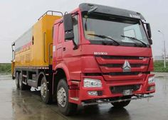 To improve the anti-skid performance of the road machinery