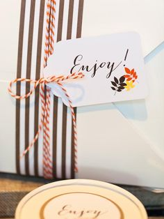 A full set of gorgeous Thanksgiving tags and (free) printables!