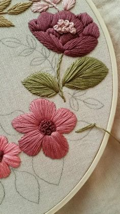 Hand Embroidery Patterns Flowers, Hand Embroidery Videos, Embroidery Stitches Tutorial, Embroidery Flowers Pattern, Hand Embroidery Designs, Embroidery Kits, Embroidered Flowers, Couture, Projects