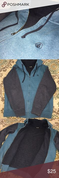 Volcom Hoody Very nice Volcom hoody. It's thick and has a fleece lined body that's very warm, silky lined sleeves makes it easy to slip on!  It's in EUC - no obvious signs of wear! Volcom Shirts Sweatshirts & Hoodies