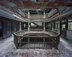 """Yves Marchand and Romain Meffre's photos in """"Ruins of Detroit"""", truly surreal"""