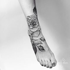 #rose #tattoo #tattoos #art #linework #dotwork #black #ink #girl #msk #moscow #мск #москва #fedornozdrin