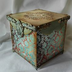 Karin Palalic's photos – 290 photos | VK Decoupage Glass, Decoupage Box, Decoupage Vintage, Painted Boxes, Wooden Boxes, Steampunk Crafts, Old Mirrors, Boho Bedroom Decor, Antique Boxes