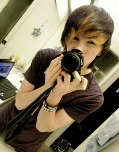 Hello people! My name is Zack and I'm Hex's boyfriend! I'm 16, and I love music, youtube, bands, video games, and photograpy(as you can see). I'm looking forward to meeting you all! XOXO