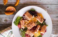 Вкуснейший салат можно приготовить из цитрусовых и лосося. Это концентрация полезных и питательных веществ.