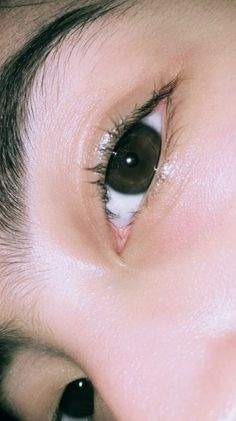 Best Photo Poses, Girl Photo Poses, Aesthetic Eyes, Aesthetic Girl, Boy Photography Poses, Tumblr Photography, Pretty Eyes, Beautiful Eyes, Anime Angel Girl