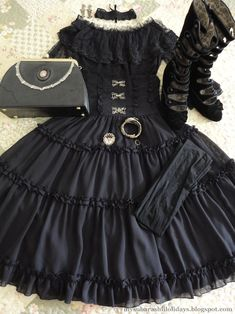 lovely lolita coords laid out on beds & floors Gothic Lolita Fashion, Emo Fashion, Fashion Outfits, Harajuku Fashion, Gothic Girls, Aesthetic Clothes, Yoshimi, Cool Outfits, Feminine