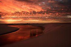 Puesta de sol en Lençois Maranhenses, Brasil