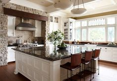 Big Kitchens With Islands Your Kitchen Design Inspirations And Appliances - Mobshield.com