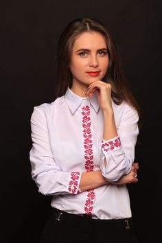 Vyshyvanka Clover rose. Embroider Shirt. Embroider by MyFacturyHub