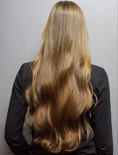 Highlight treatment. @wellaprobnl @wellahair @haarvisierijswijk #colormelt #highlight #babylight #olaplex #olaplexnederland #haarkleur #colorist #kleurspecialist #hairstyle Treatment, Highlights, Long Hair Styles, Beauty, Noel, Long Hairstyle, Luminizer, Long Haircuts, Hair Highlights