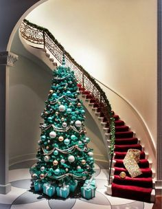 Turquoise Christmas Inspiration ~ 20 Awesome #ChristmasTree Decorating Ideas & Inspirations - Style Estate -