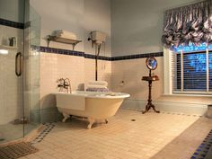 Traditional Bathroom Decorating With Traditional Bathroom Designs | Visit http://www.suomenlvis.fi/