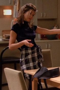 7 Fall Outfit Ideas From Rachel Green Rory Gilmore and Hilary Banks Friends Outfits Banks Fall Gilmore Green Hilary ideas Outfit Rachel Rory Rachel Green Outfits, Estilo Rachel Green, Rachel Green Style, Rachel Green Friends, Rachel Green Fashion, Rachel Green Hair, Rory Gilmore, Fashion Tv, Fashion Looks