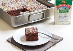 Sjokoladekake i langpanne Sheet Pan, Cereal, Breakfast, Food, Cakes, Breakfast Cafe, Essen, Cake, Pastries