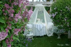 Aiken House & Gardens: Romantic Summer White Garden Tea