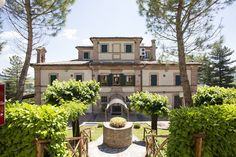 Mix de mancare, vin, #arta si #muzica in regiunea Marche, #Italia Contactati-ne pentru detalii si personalizarea #vacantei Dvs.! http://bit.ly/2w3d1No