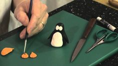 How to make a Penguin with sugarpaste with Loiuse Wilson