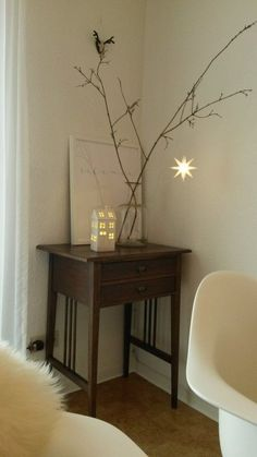 Herrnhuter Stern deco ideas & pictures - twinkle, twinkle, little star You are in the right place about diy decor Here we offer you the most - Entryway Decor, Office Decor, Dorm Decorations, Christmas Decorations, Decoration Entree, Victorian Decor, Moroccan Decor, French Decor, Little Star