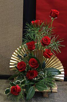 Victoria Floral Artist Guild show 2014. Love the gold oriental fans.