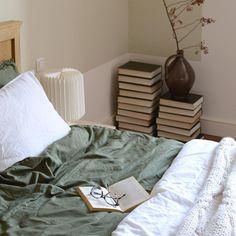 Boekenstapel Table, Van, Furniture, Home Decor, Instagram, Decoration Home, Room Decor, Tables, Home Furnishings