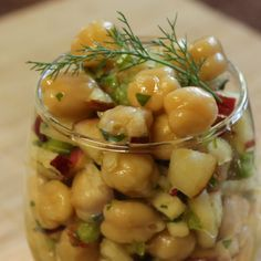 Ceia Vegana de Natal | Salada de Grão-de-bico com Maça e Salsão