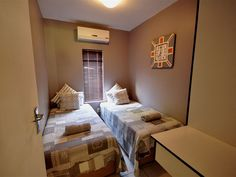 The Bridge Apartment 2 - Offers one, two and three bedroom apartments, and provides cable TV, daily cleaning service, laundry and braai/barbecue facilities. This apartment is a standard three bedroom apartment that has spectacular .