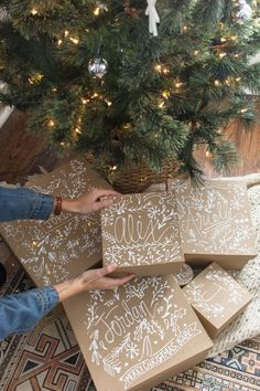 Wrap gifts nicely with kraft Geschenke schön verpacken mit Kraftpapier always rooney: DIY gift boxes: personalized brown paper packets - Diy Gifts For Mom, Diy Gifts For Friends, Diy Gift Box, Diy Gifts For Boyfriend, Boyfriend Ideas, Gift Wrap Diy, Diy Gifts Sister, Gifts For New Grandma, Diy For Men