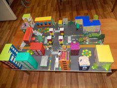 Resultado de imagen para maquetas escolares de ciudades - MyKingList.com Craft Kits For Kids, Games For Kids, Art For Kids, Activities For Kids, Crafts For Kids, Math Projects, School Projects, Projects For Kids, Cardboard City
