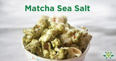 Check out seven delicious and healthy recipes for homemade popcorn seasoning. Ranch, spicy chipotle, parmesan rosemary, matcha sea salt and more. Homemade Popcorn Seasoning, Flavored Popcorn, Popcorn Recipes, Seasoning Recipe, Salad Recipes, Healthy Popcorn, Healthy Snacks, Paleo Pumpkin Cookies