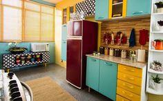 """1,047 Likes, 10 Comments - DIY Home  (@diyhomebr) on Instagram: """"Cozinha colorida, transformada por @casadecolorir no programa Mais Cor por Favor. Boa inspiração de…"""""""