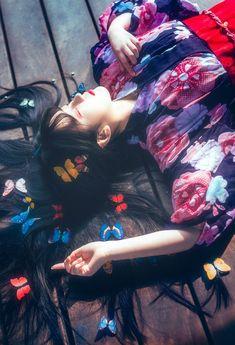 Bộ này ưng lắm >.< Lovely Girl Image, Girls Image, Japanese Kimono, Japanese Girl, Japan Touch, Kawaii Cosplay, Japanese Characters, Art Poses, Beauty Photos