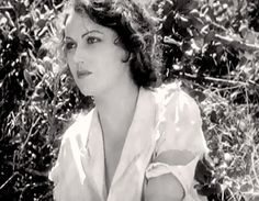 The lovely Fay Wray looking both disheveled and glamorous in The Sea God Erich Von Stroheim, Fay Wray, Gene Tierney, Starred Up, Film Institute, Scream Queens, Dirty Dancing, Great Films, King Kong