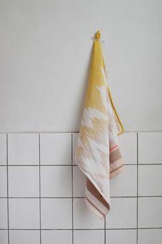 Tea Towel 02 yellow-ISH - Mae Engelgeer - BijzonderMOOI* Dutch design online