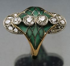 This is not contemporary - image from a gallery of vintage and/or antique objects. BELLE EPOQUE  Ring  Platinum Gold Plique-à-jour enamel Diamond