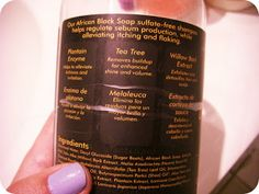 Those Pore Girls reviews #SheaMoisture's African Black Soap Deep-Cleansing Shampoo with plantain enzyme, tea tree, and willow bark extract (aka salicylic acid) for dry and itchy scalps, dandruff, eczema, and psoriasis.