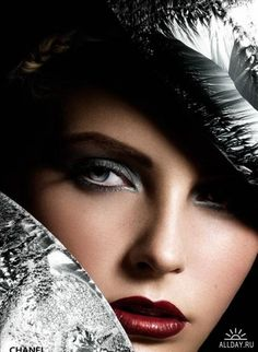 Extreme Glamour Photography By Philippe Kerlo — Photography Office Glam Makeup, Beauty Makeup, Hair Makeup, Hair Beauty, Jewel Makeup, Silver Makeup, Dead Gorgeous, Beautiful Eyes, Dali