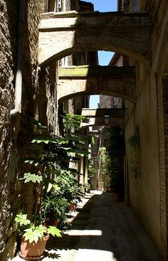 Umbria Bevagna, Vicolo dell'Osteria   #TuscanyAgriturismoGiratola