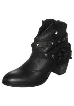 f04be189c8c7 Womens Cowboy Biker boots - black Ladies Ankle Boots Footwear