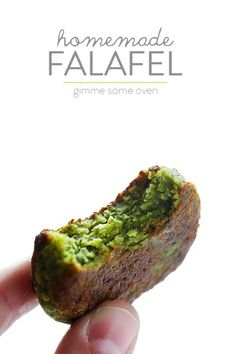 This homemade falafel recipe is full of fresh herbs, chickpeas and seasonings, it's naturally vegetarian, and totally delicious! Feel free to make into a pita falafel sandwich or salad, or serve as an appetizer with your favorite dipping sauce! Vegan Vegetarian, Vegetarian Recipes, Cooking Recipes, Healthy Recipes, Best Falafel Recipe, Healthy Snacks, Healthy Eating, Good Food, Yummy Food