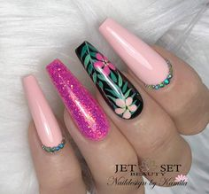 Make an original manicure for Valentine's Day - My Nails Summer Acrylic Nails, Best Acrylic Nails, Stylish Nails, Trendy Nails, Long Nails, My Nails, Nail Art Fleur, Nagellack Design, Glamour Nails