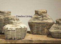 Oude stoer & sobere leemkruik / vismand bij Timeless-Living.nl