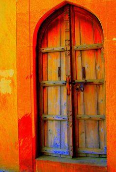 Vibrant Oranges & Reds | New Delhi