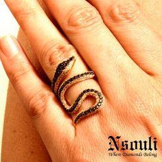 #rings #jewelry #preciousstones #diamonds #stylish #fashionaddict #instagramers #trendy #snakes