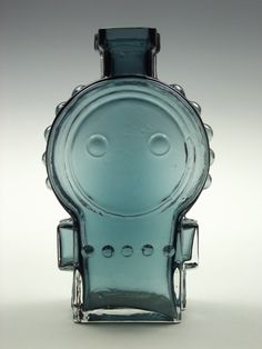 Riihimaki Ahkeraliisa(Busy Lizzy) Pirtti blue glass vase by Helena Tynell. via Etsy. Blue Glass Vase, Glass Vessel, Glass Art, Vintage Tableware, Perfume Atomizer, Bronze Jewelry, Glass Molds, Vases, Vintage Perfume Bottles