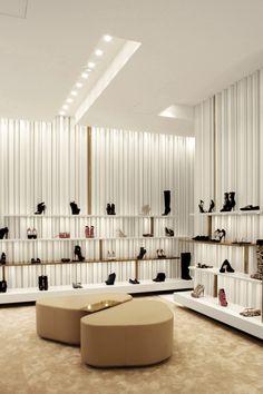 Boutique Giuseppe Zanotti Design, via Montenapoleone, Milano